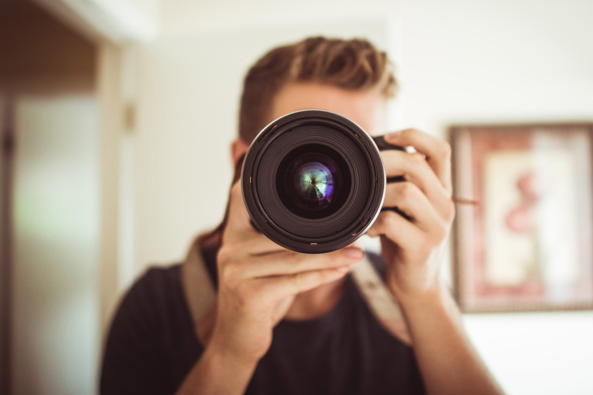 Обектив или камера
